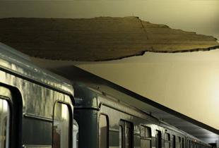 Обрушился потолок на новой станции метро