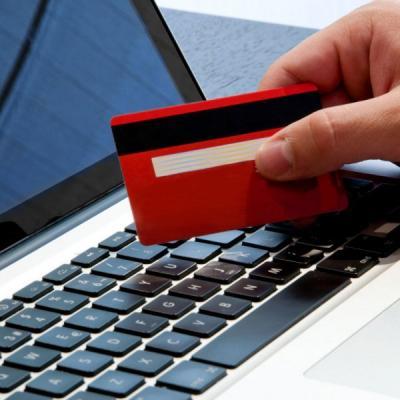 Магазины вынудят принимать оплату картами