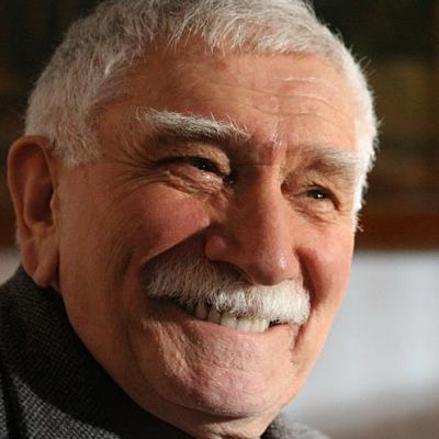 Армен Джигарханян готов оставить собственный театр