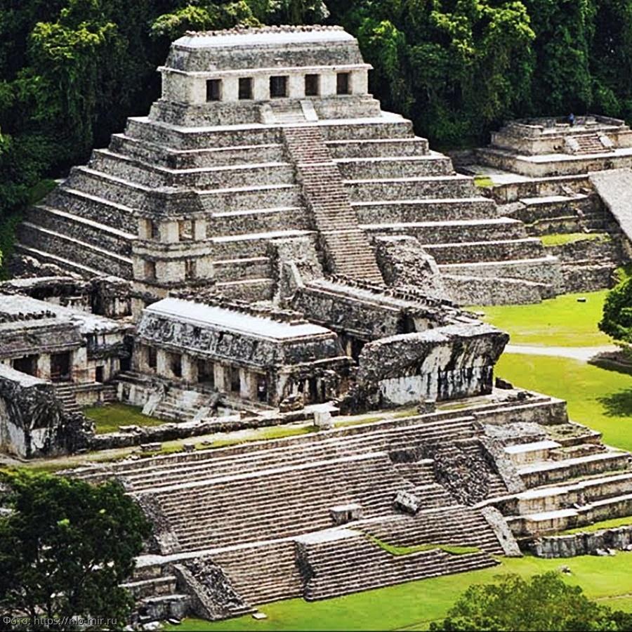 Остатки храма майя