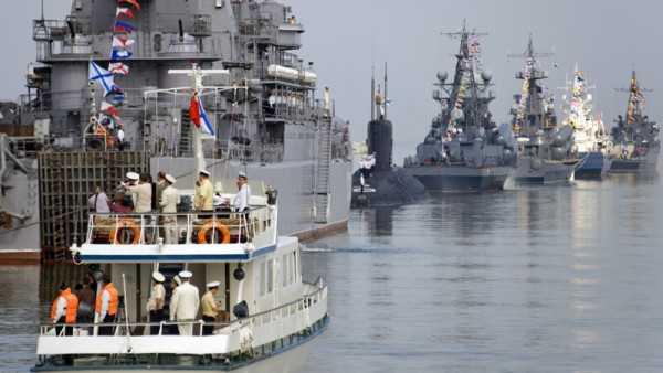 Руководитель Коми поздравил граждан республики сДнём Военно-Морского Флота